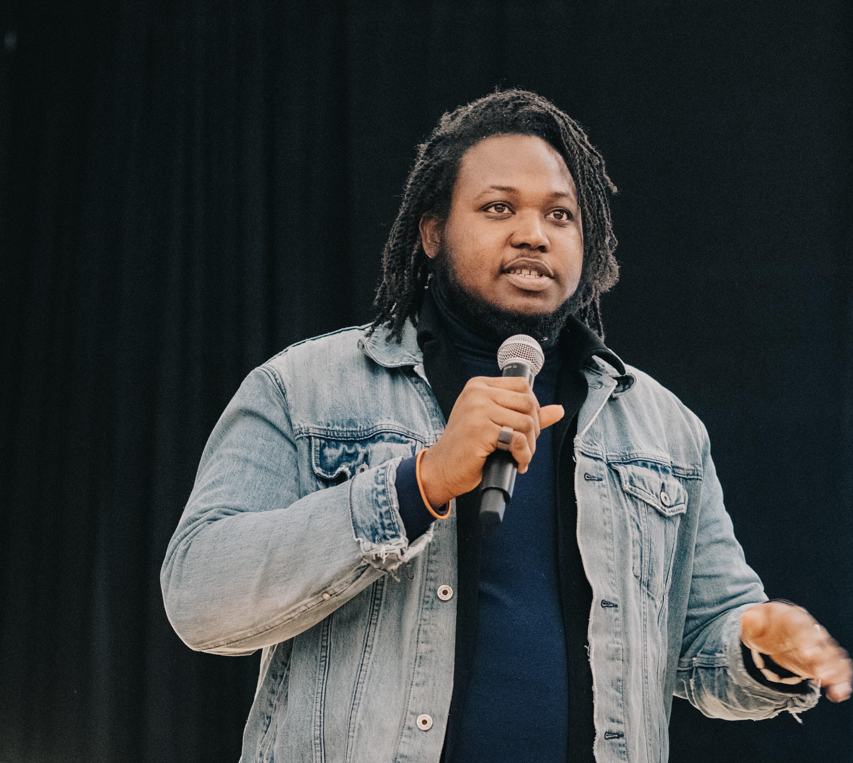 Hansel Igbavboa – Entrepreneurship, combining your creative expressions and social justice (episode #11)